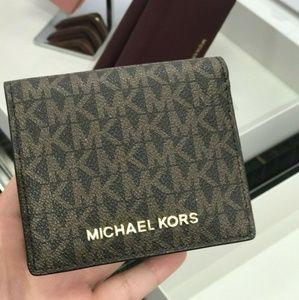 Michael Kors Jet Set MD Carryall Card Case Wallet